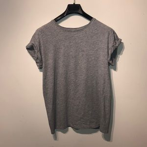 2/$10. H&M basic gray T-shirt